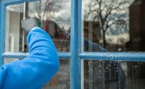 vask vinduene før den kalde vinteren kommer